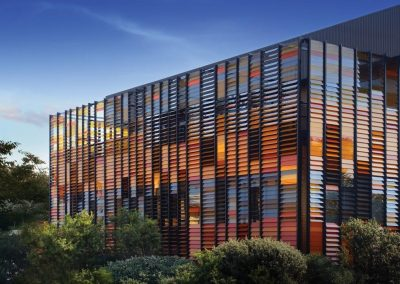 Altair Louvres make for great feature walls by using coloured blades into different patterns.