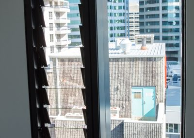 Altair louvres with clear glass blades optimise views