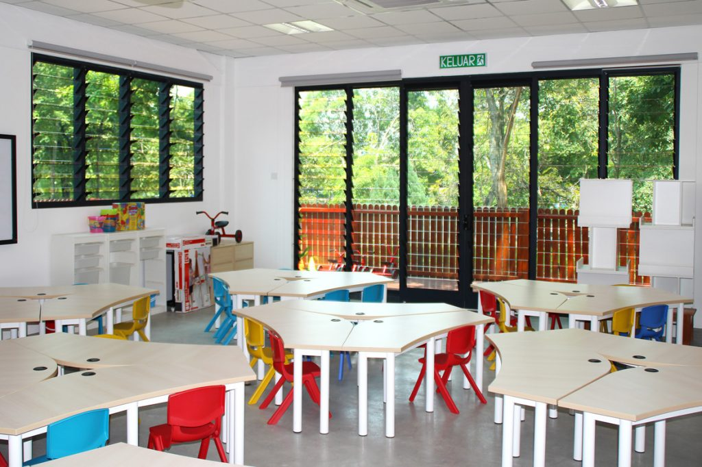 Learning-environment-with-Breezway-louvres-to-allow-fresh-air-to-stimulate-young-minds