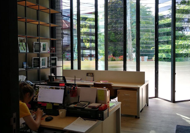 The new Zimplex Office enjoys natural light and fresh ventilation with their Breezway Louvre Windows