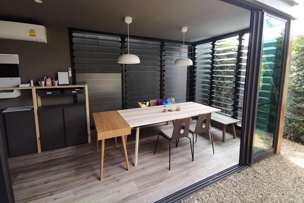 Multiple bays of Breezway Louvres look attractive and provide plenty of ventilation