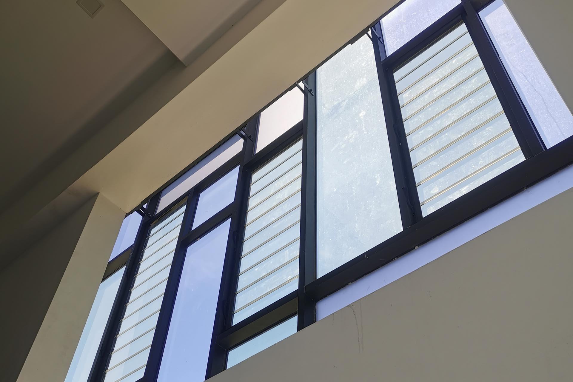 Allow light and ventilation with Breezway Louvre Windows