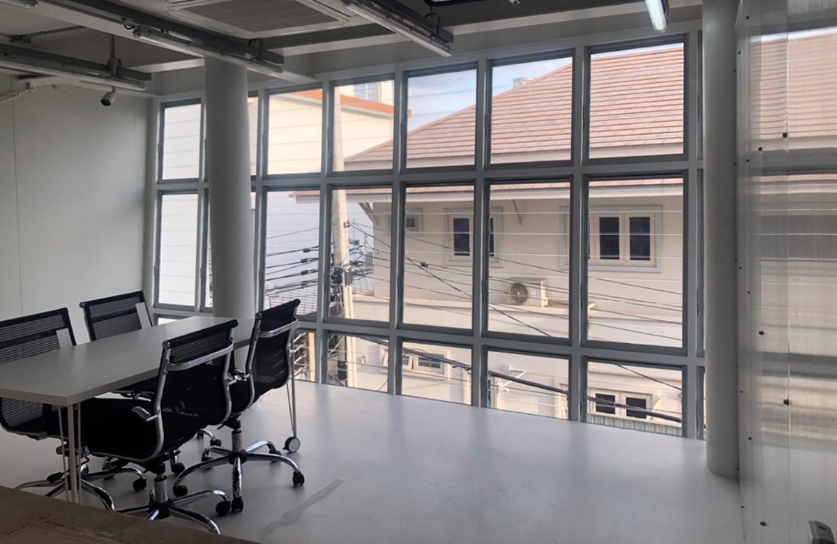 Breezway Louvres seal tight to keep boardroom meetings private